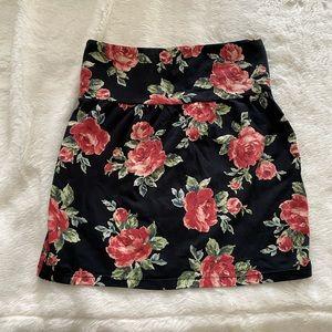TALULA   NWOT Aritzia Floral Pencil Skirt